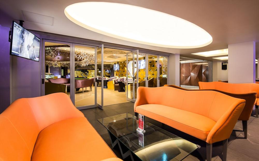 Fashion Hotel Legian, Featured Image