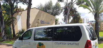 Flag Motor Lodge - Airport Shuttle  - #0