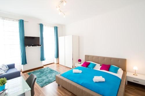 . CheckVienna - Apartment Diefenbachgasse