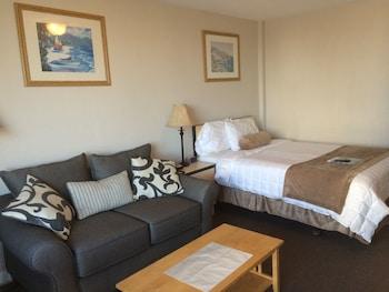 No View Room Queen Room Bed