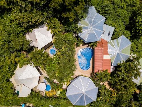 . Hotel Tamarindo Village