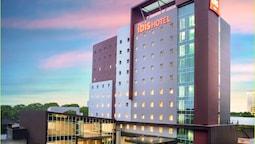 ibis Makassar City Center