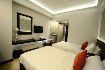 Venus Parkview Hotel Baguio Featured Image