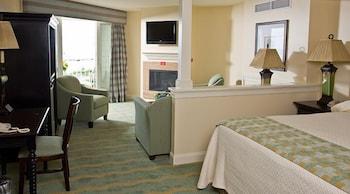 Ocean Suites Accessible King Suite Floor 1
