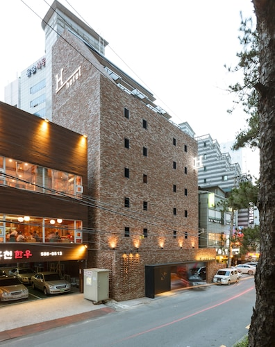 H hotel, Seocho