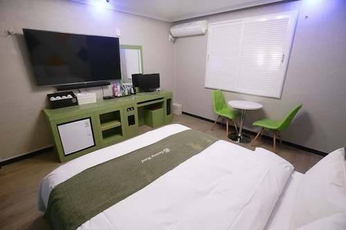 Luxury Motel, Yuseong