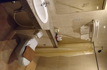 New Cafe Royal Hotel - Bathroom  - #0
