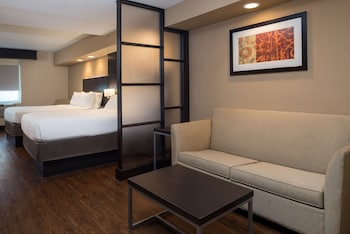 Suite, 2 Queen Beds, Accessible (Hearing, Accessible Tub)