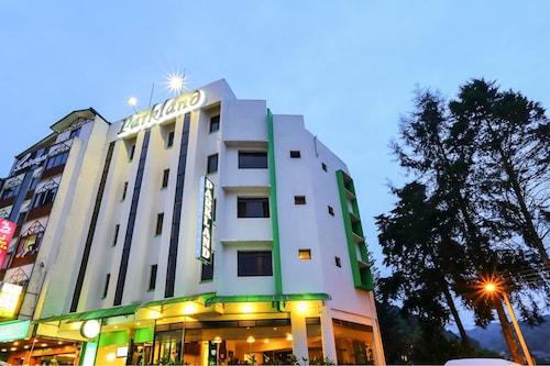 __{offers.Best_flights}__ Parkland Hotel
