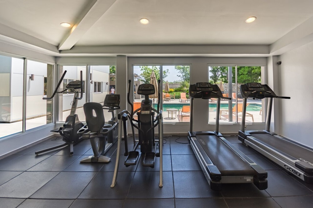 Health and Fitness : Fitness Facility 29 of 63