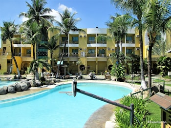 Country Village Hotel Cagayan de Oro Outdoor Pool