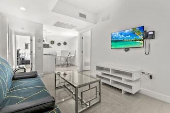 Premium Suite, 2 Bedrooms, Kitchen, Courtyard View
