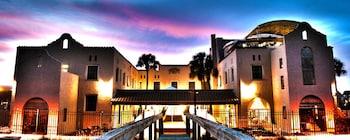 卡薩碼頭飯店 Casa Marina Hotel