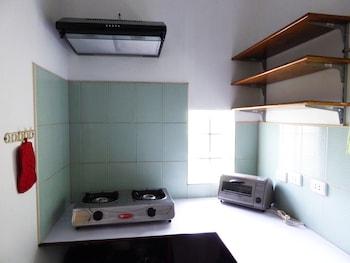 Marcosas Cottage Resort Cebu In-Room Kitchenette