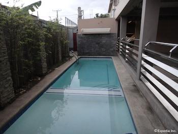 Grand Apartelle Cebu Outdoor Pool