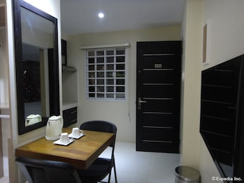Grand Apartelle Cebu Living Area