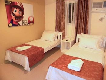 Tr3Ats Guest House Bohol Guestroom