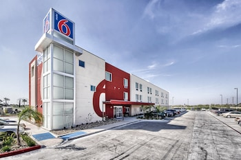 Motel 6 Weslaco TX - Featured Image  - #0