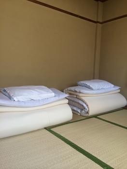 KASUGA RYOKAN Room