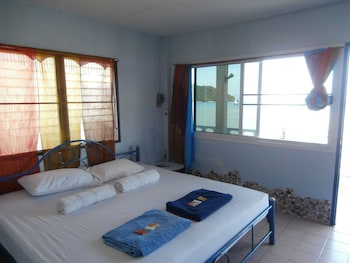 1 Bedroom Seafront Bungalow