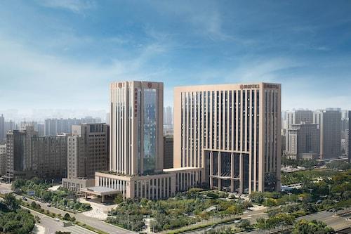 . Sheraton Grand Zhengzhou Hotel