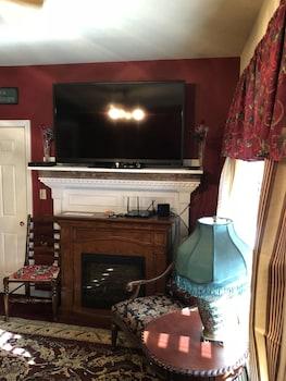 Christmas Suite at All Seasons Inn