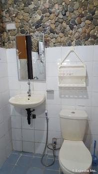 67Th Heaven Holiday Resort Puerto Princesa Bathroom