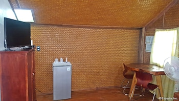 67Th Heaven Holiday Resort Puerto Princesa Mini-Refrigerator