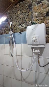 67Th Heaven Holiday Resort Puerto Princesa Bathroom Shower