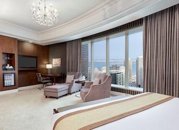 Premium Room, 1 King Bed, Smoking, Sea View