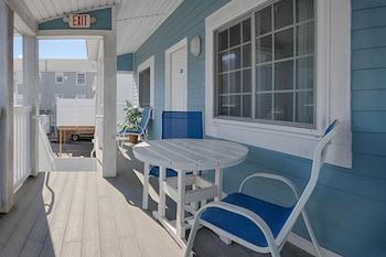 Porch at Buckingham Hotel in Ocean City