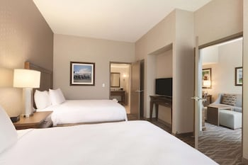 Suite, 2 Queen Beds, Accessible