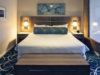 Guestroom at Wyndham Desert Blue in Las Vegas