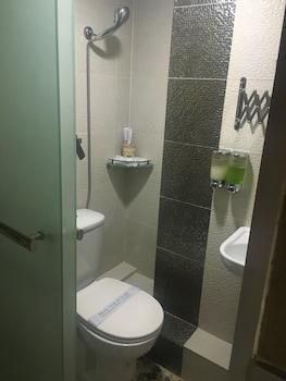 Temple Street Hotel - Bathroom  - #0