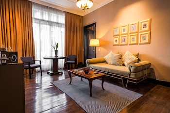 The Henry Hotel Manila Living Area