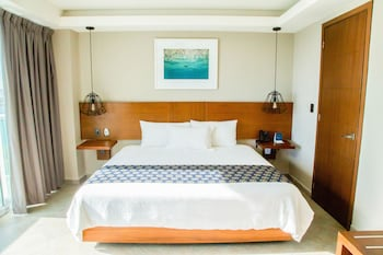 Standard Room, 1 king Bed Lagoon View