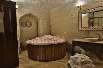 Mithra Cave Hotel