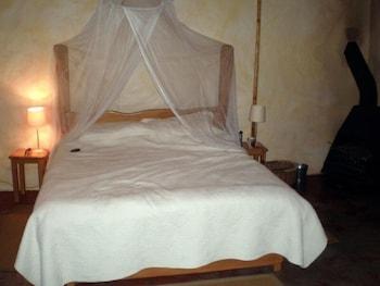 https://i.travelapi.com/hotels/10000000/9470000/9462300/9462203/279daea9_b.jpg