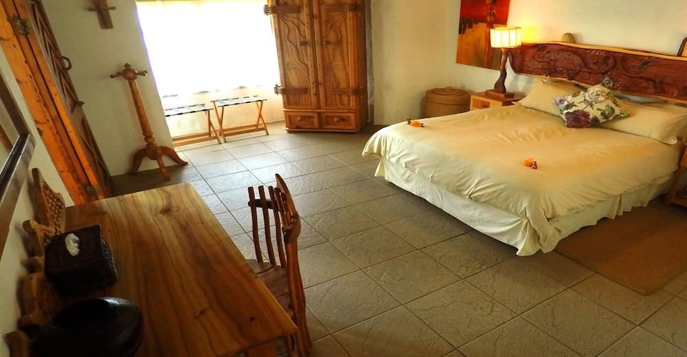 https://i.travelapi.com/hotels/10000000/9470000/9462300/9462203/cbc96c29_z.jpg