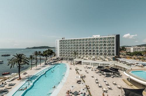 . The Ibiza Twiins