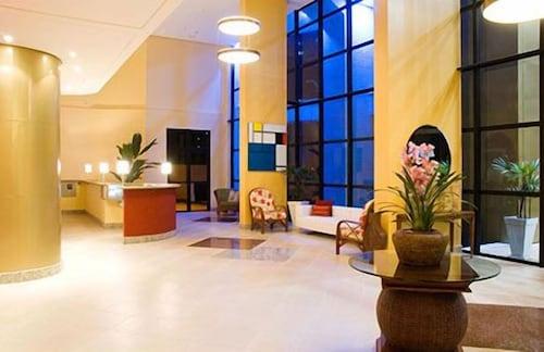 Mondrian Suite Hotel, São José dos Campos