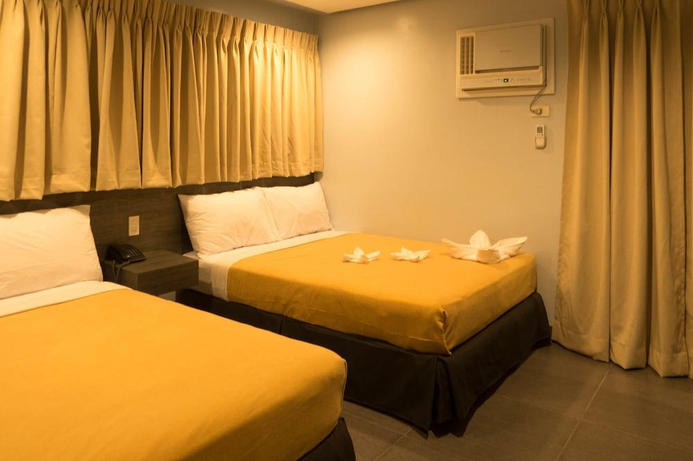 セブ R ホテル マボロ