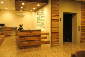 Cebu R Hotel - Mabolo Branch Reception