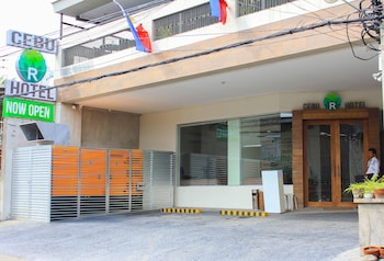 Cebu R Hotel - Mabolo Branch Property Entrance