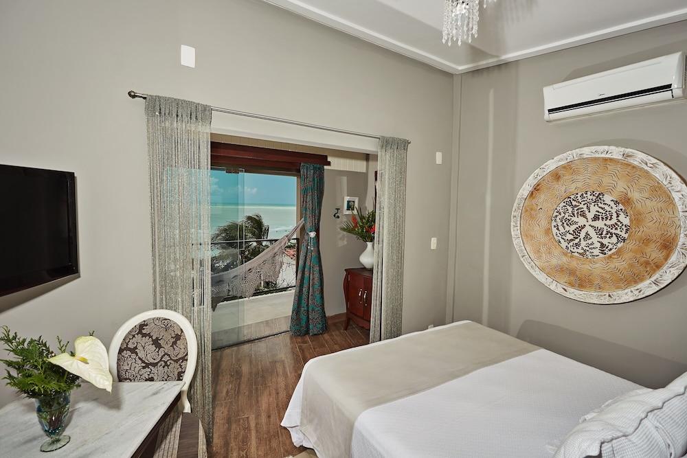 https://i.travelapi.com/hotels/10000000/9470000/9470000/9469934/eb0651e5_z.jpg