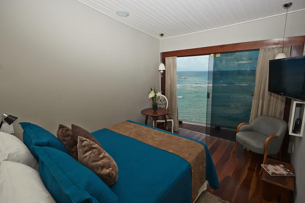 https://i.travelapi.com/hotels/10000000/9470000/9470000/9469934/ebbbdc8a_z.jpg