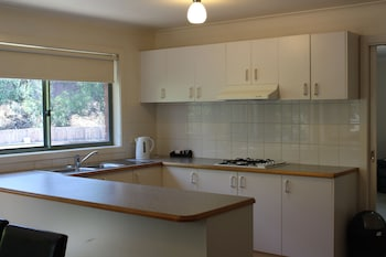 Australian Home Away Ringwood @ Bardia - In-Room Kitchen  - #0