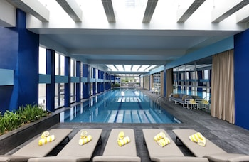 Makati Diamond Residences Indoor Pool