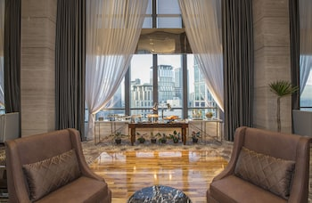 Makati Diamond Residences Executive Lounge