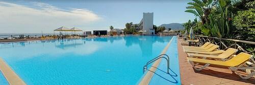 . Hotel Club La Playa
